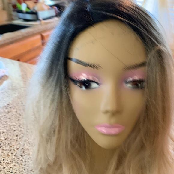 "no brand Accessories - Beautiful 24"" wig."